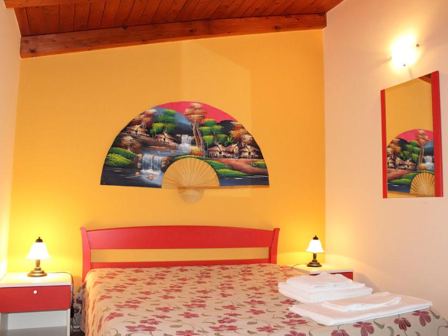 ferienwohnung villa le mimose iv ragusa firma ferienhaus sizilien herr oskar golde. Black Bedroom Furniture Sets. Home Design Ideas