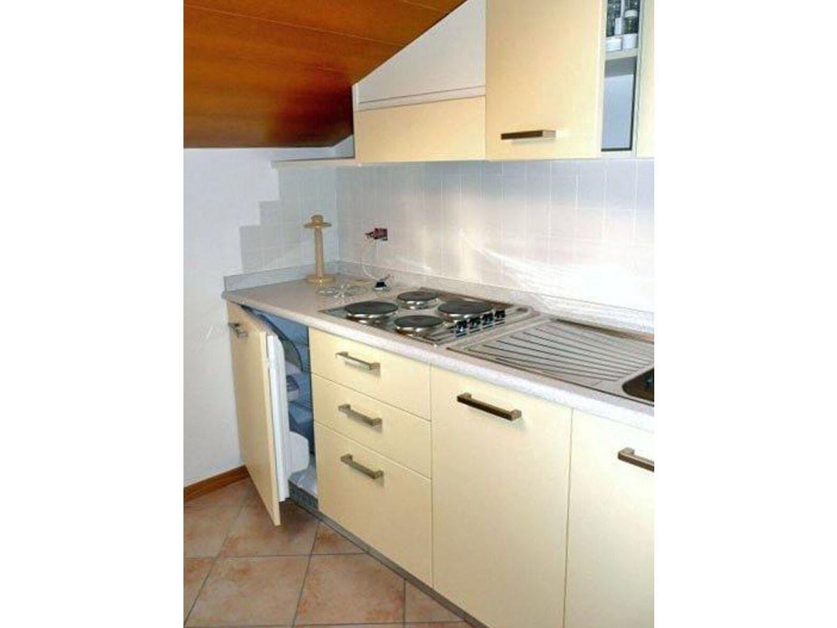 ferienwohnung castello in nargo torbole trentino gardasee firma anita woithe. Black Bedroom Furniture Sets. Home Design Ideas