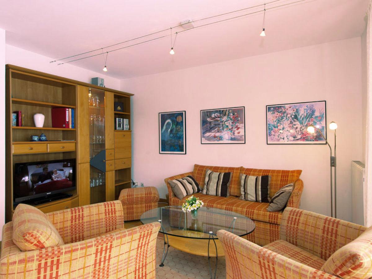 ferienwohnung 3 zimmer nr 9 in der ferienresidenz nationalpark gingst firma b hm gbr herr. Black Bedroom Furniture Sets. Home Design Ideas