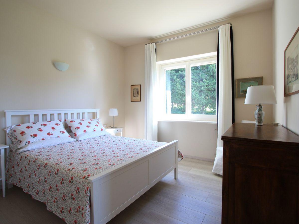Villa stauder ferienwohnung olivi genzano di roma herr marco michel - Schlafzimmer roma ...