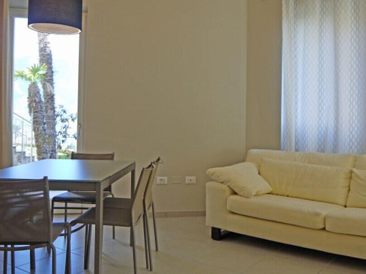ferienwohnung nobile a1 in tignale lombardei gardasee tignale firma anita woithe. Black Bedroom Furniture Sets. Home Design Ideas