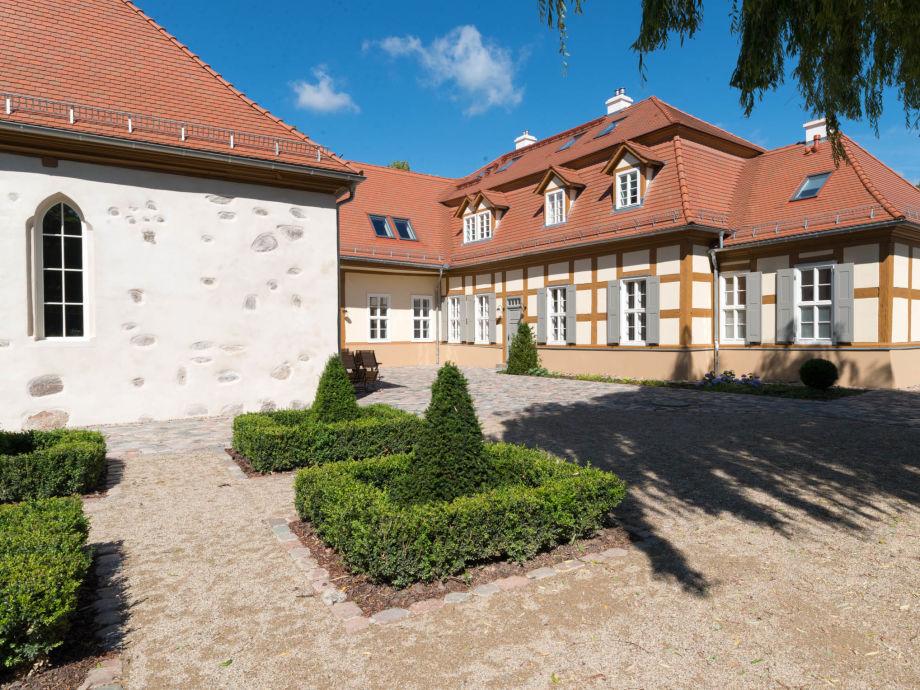 Innenhof Schloss Beuchow