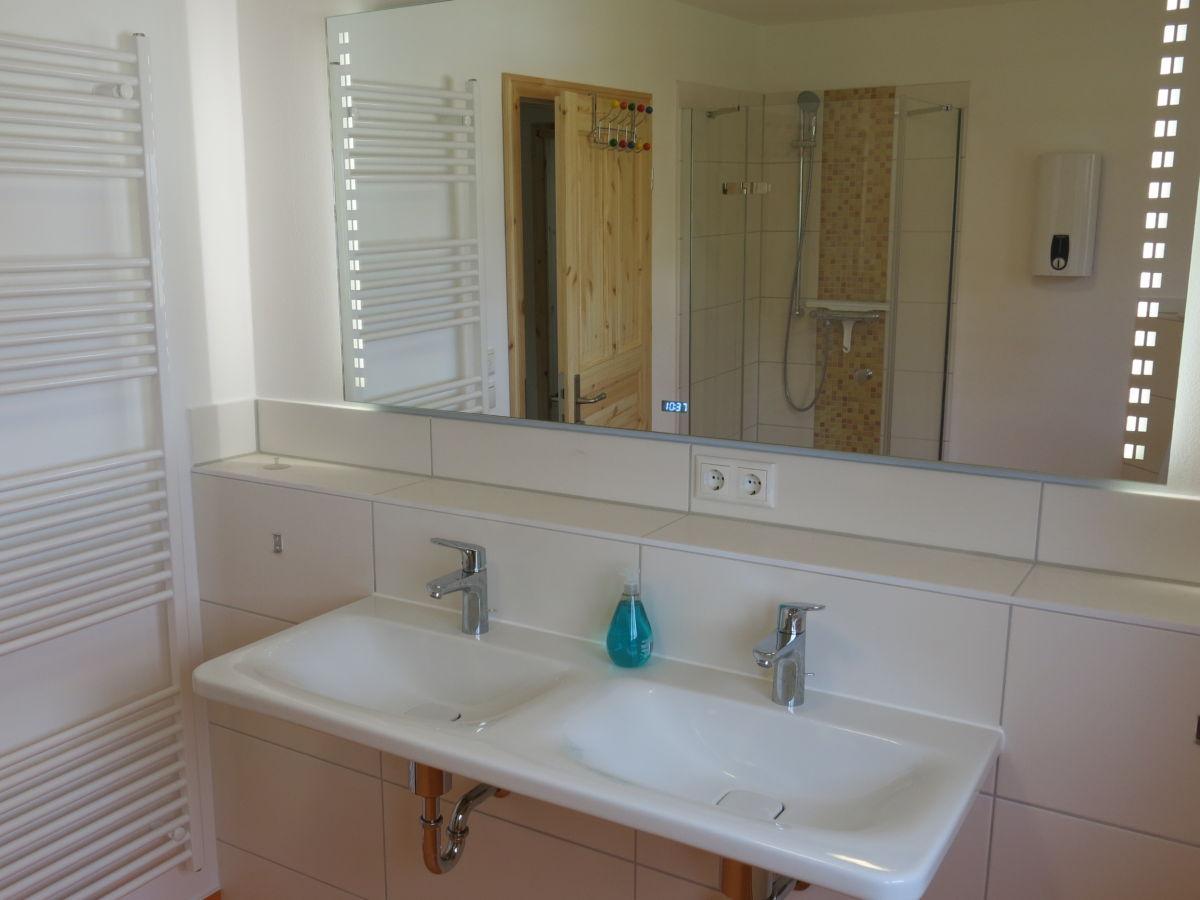 ferienhaus am wariner see sternberger seenplatte. Black Bedroom Furniture Sets. Home Design Ideas