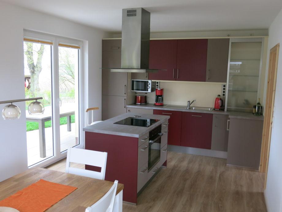 Küche mit Kochinsel, gemeinsames Kochen