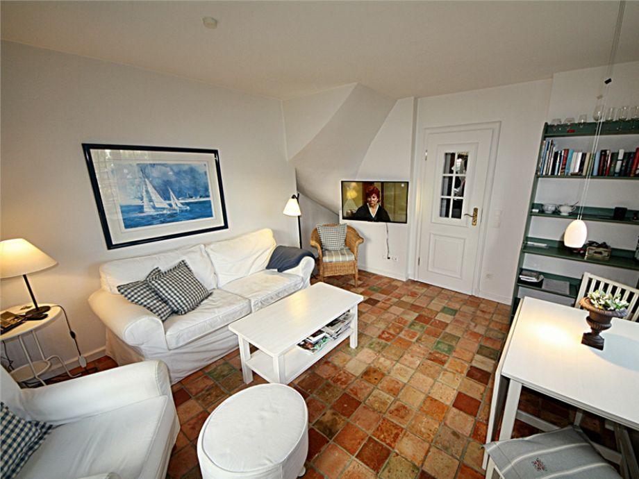Gemütliches und schön eingerichtes Wohnzimmer, der Friesenperle in der Bastianstr. 7, in Westerland, mit Zugang zur Südterrasse