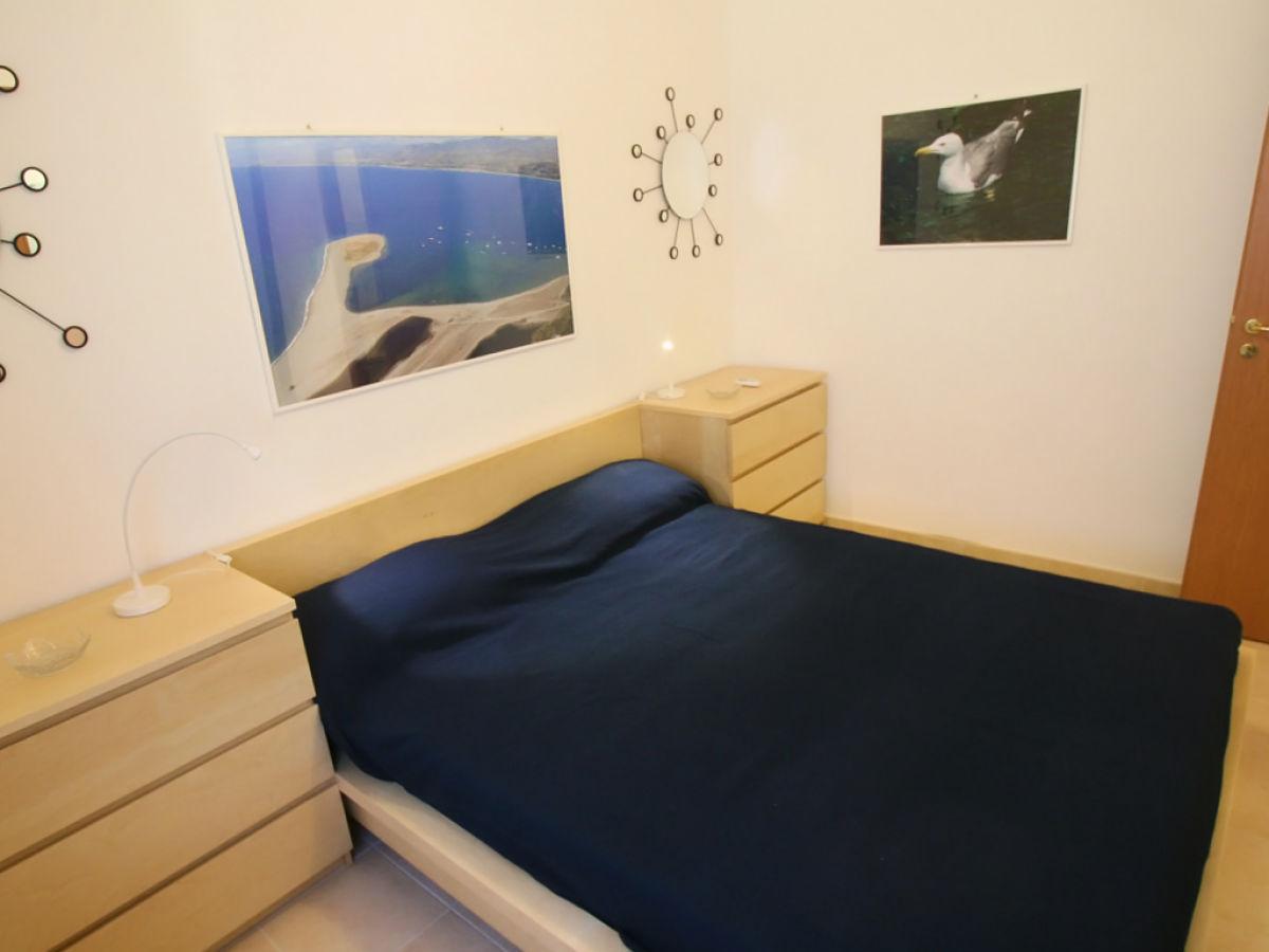 ferienwohnung casa al mare tonnarella c messina firma ferienhaus sizilien herr oskar golde. Black Bedroom Furniture Sets. Home Design Ideas