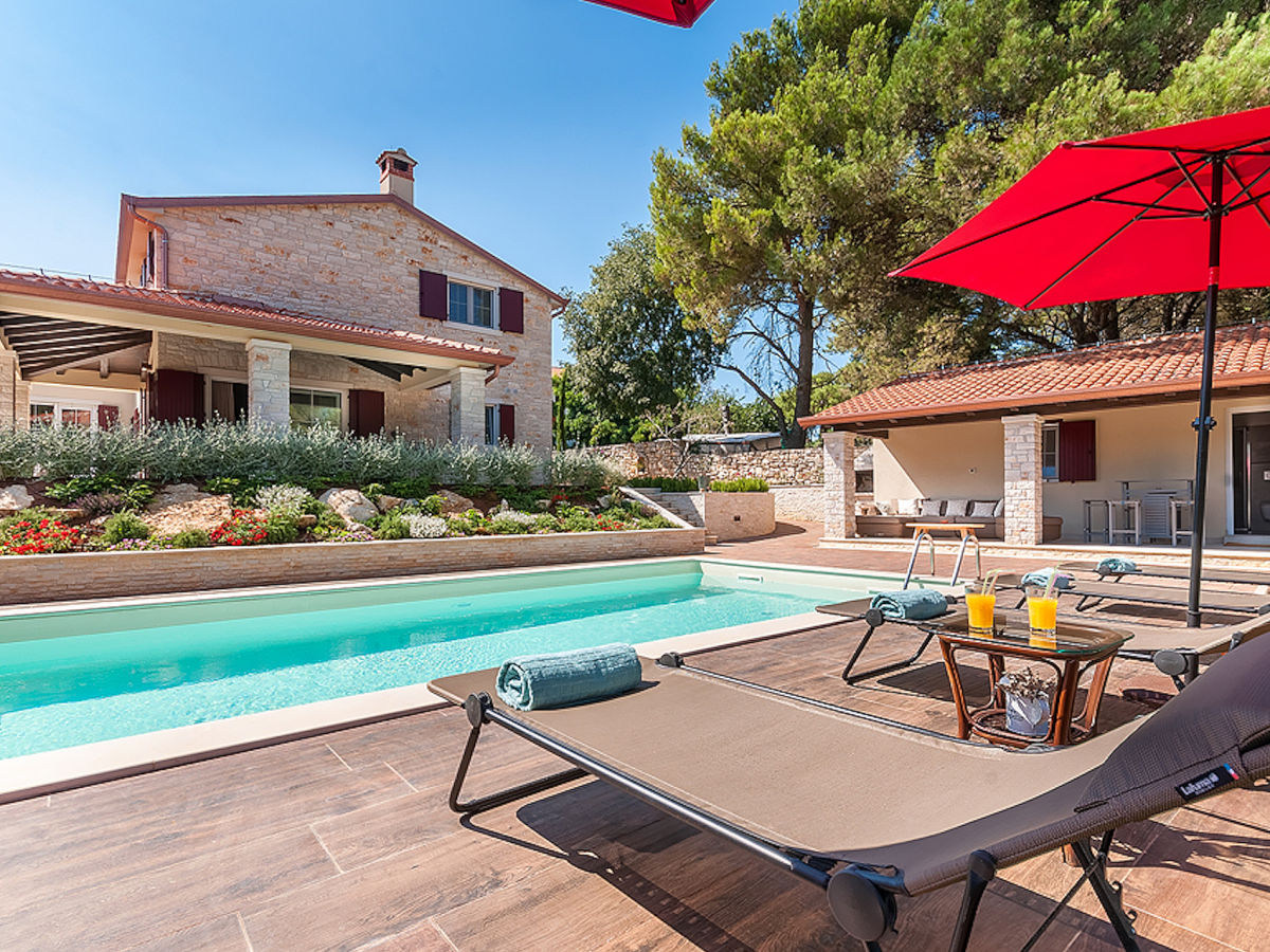 Villa eda pore istrien kroatien firma my istria for Kroatien villa mit pool
