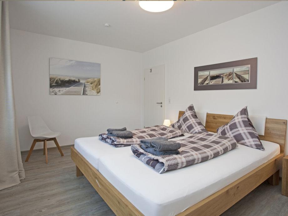 Schlafzimmer 1 Betten 200 X 220