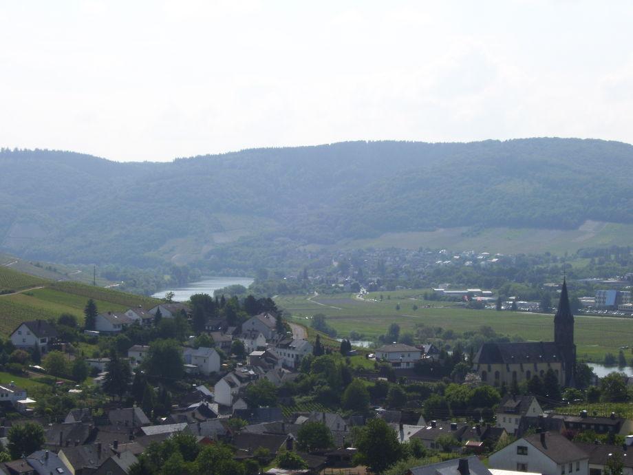 Blick über den Ort von der Südloggia