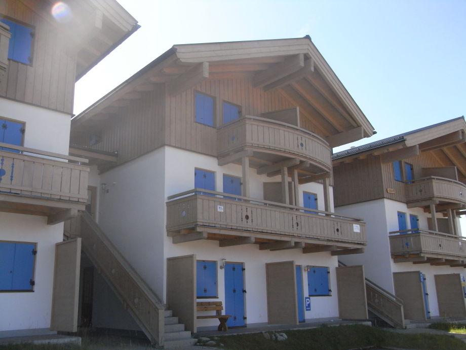 Hausansicht - Wohnung befindet sich rechts unten