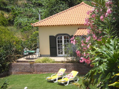 "Madeira Wine Cottage ""Sercial"""