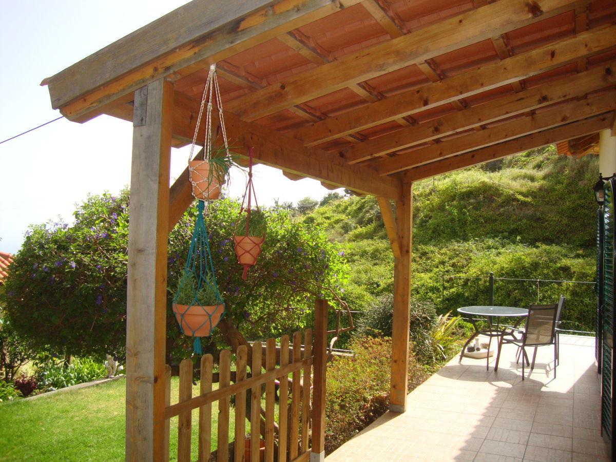 Ferienhaus madeira wine cottage sercial estreito da calheta frau madeleine pessers - Cottage garten terrasse ...