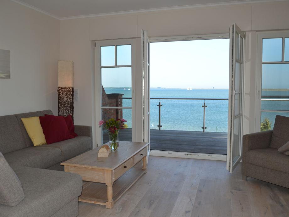 Wohnzimmer mit Blick auf die Schlei