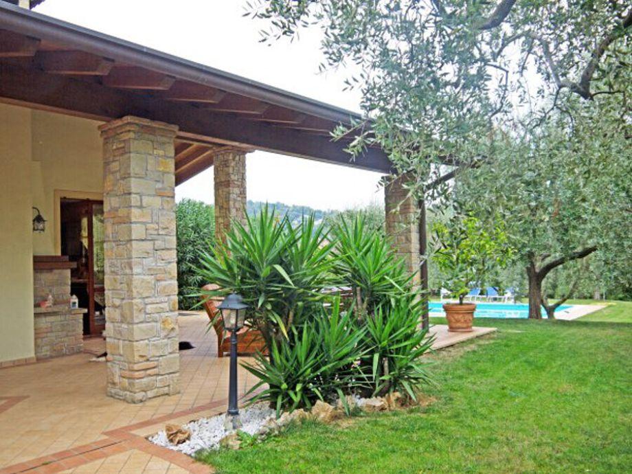 ferienhaus manerba villa anna italien lombardei gardasee firma anita woithe. Black Bedroom Furniture Sets. Home Design Ideas