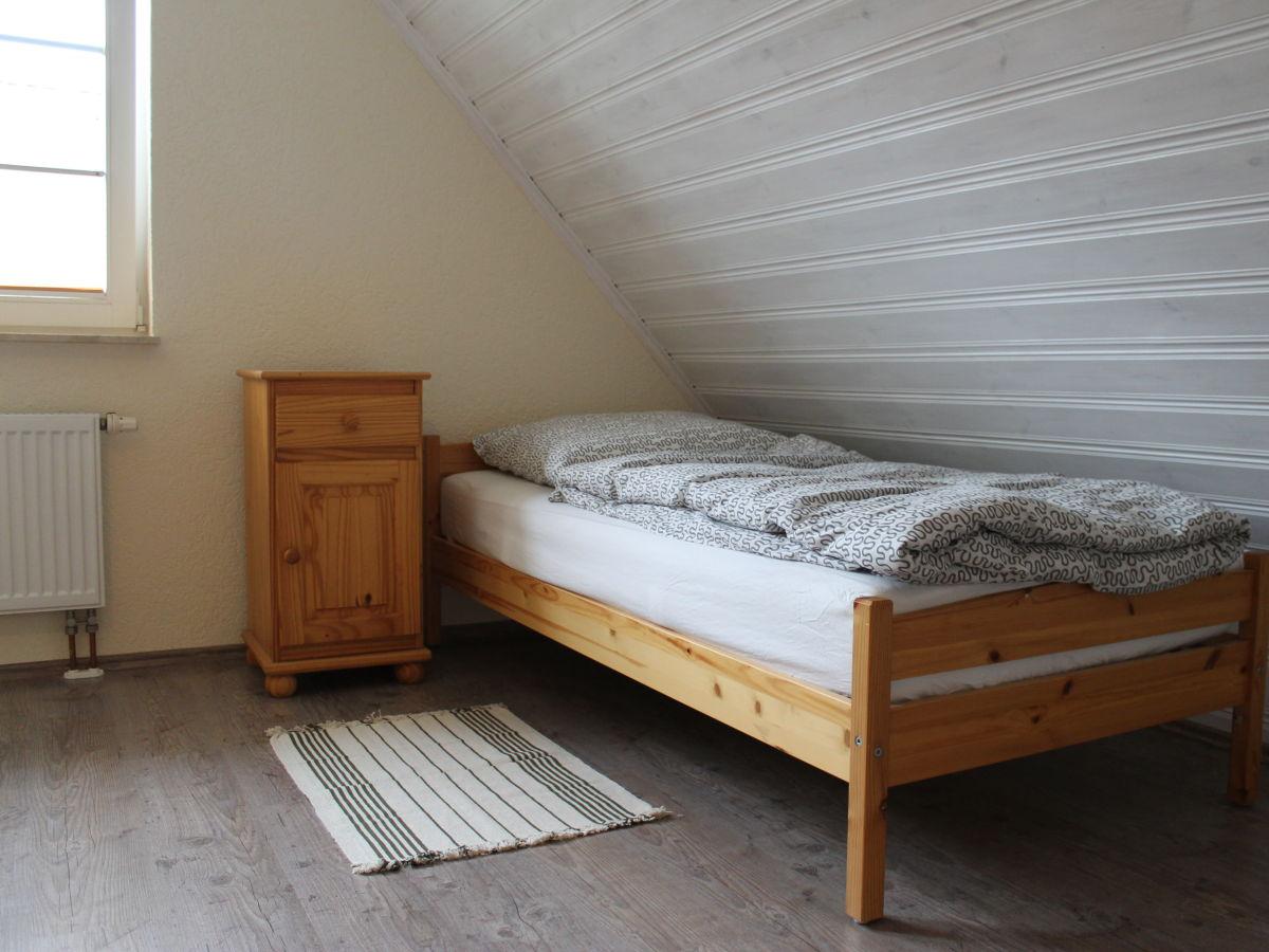 Moderne und komfortable ferienwohnung im fachwerkhaus f for Moderne einzelbetten