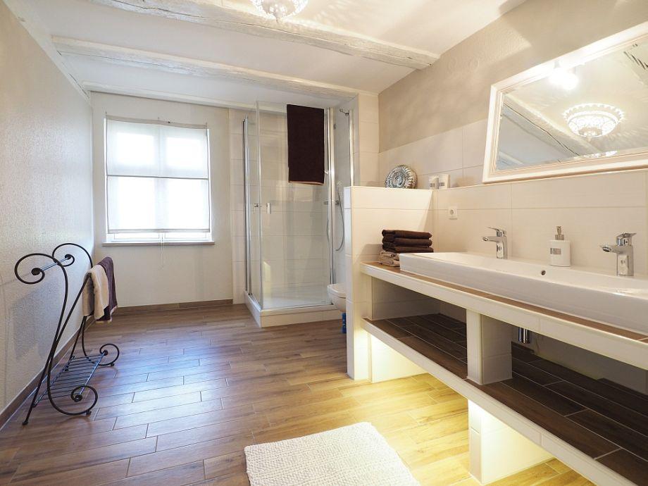 Ferienwohnung maja94a schwalbenhof am achterwasser for Badezimmer mit doppelwaschbecken