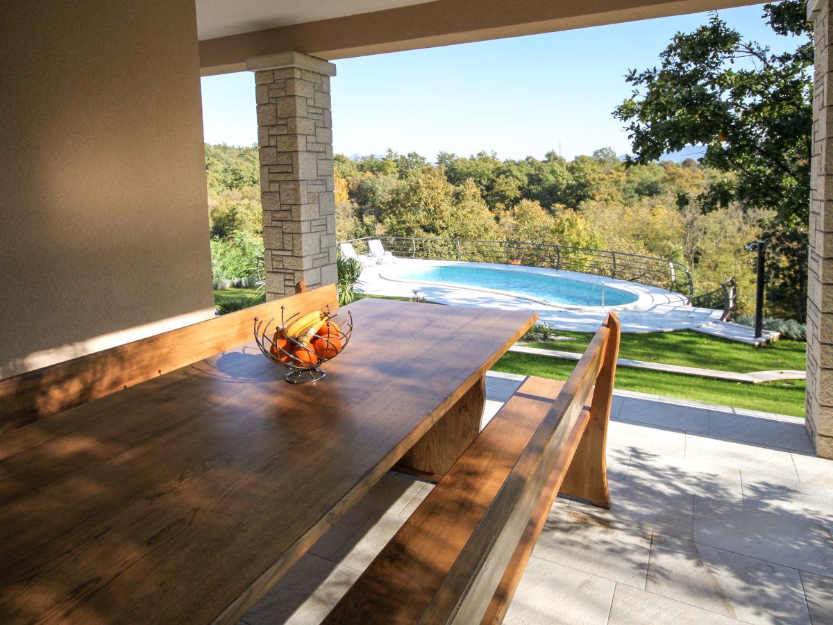 villa lili istrien firma luna adriartica herr. Black Bedroom Furniture Sets. Home Design Ideas