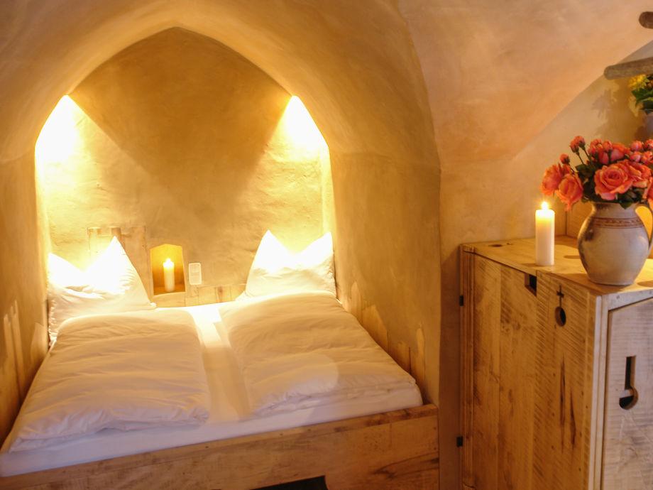 ferienwohnung turm zu schloss schedling chiemgau trostberg frau sari rechl. Black Bedroom Furniture Sets. Home Design Ideas