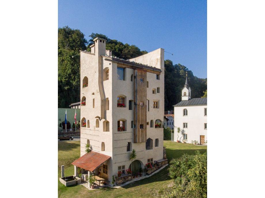 Turm zu Schloss Schedling - Ferienwohnungen