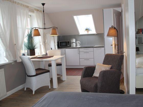 ferienwohnung 3 biberburg sylt firma sylter ferienwohnungen gmbh herr olaf jacobsen. Black Bedroom Furniture Sets. Home Design Ideas
