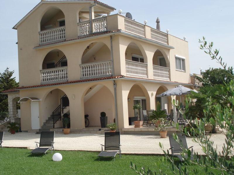 Holiday apartment Villa Meli