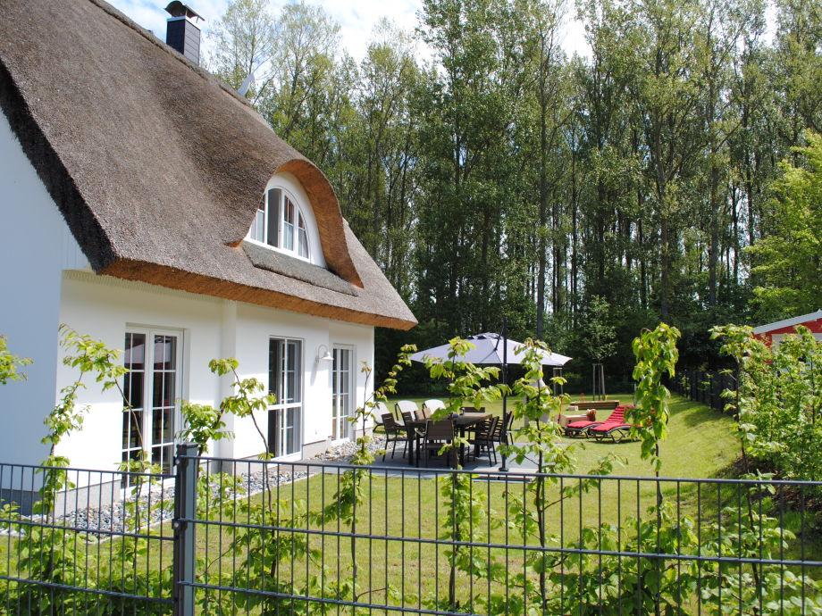 Ferienhaus mit umzäunten Grundstück
