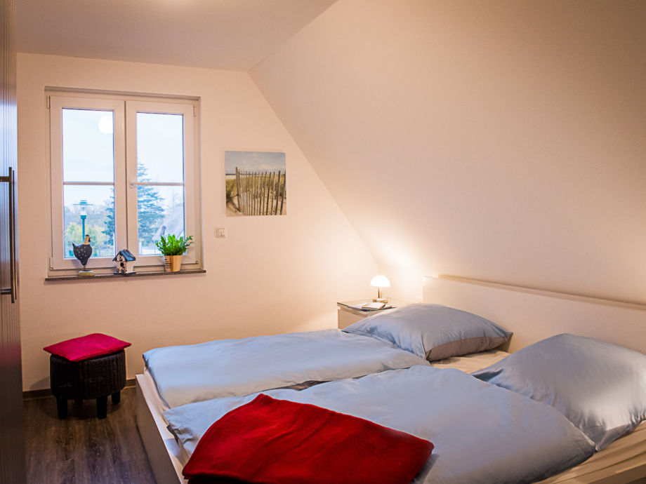 Schlafzimmer OG Mit Doppelbed