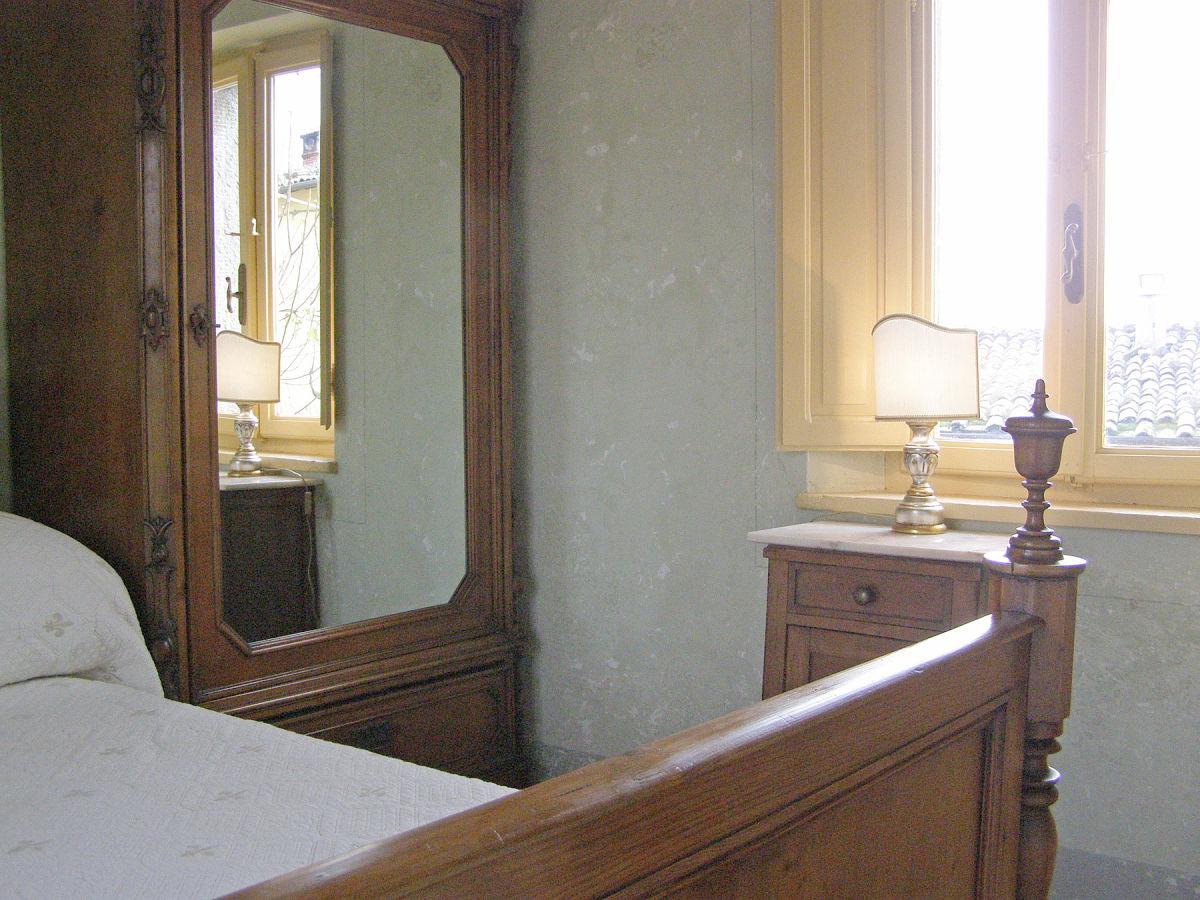 Ferienhaus san michele provinz lucca coreglia - Spiegelschrank schlafzimmer ...
