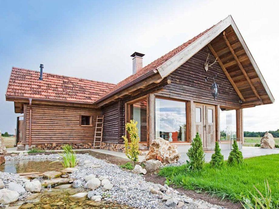 Außenaufnahme Liebevoll gestaltete Jagdhütte mit Sauna