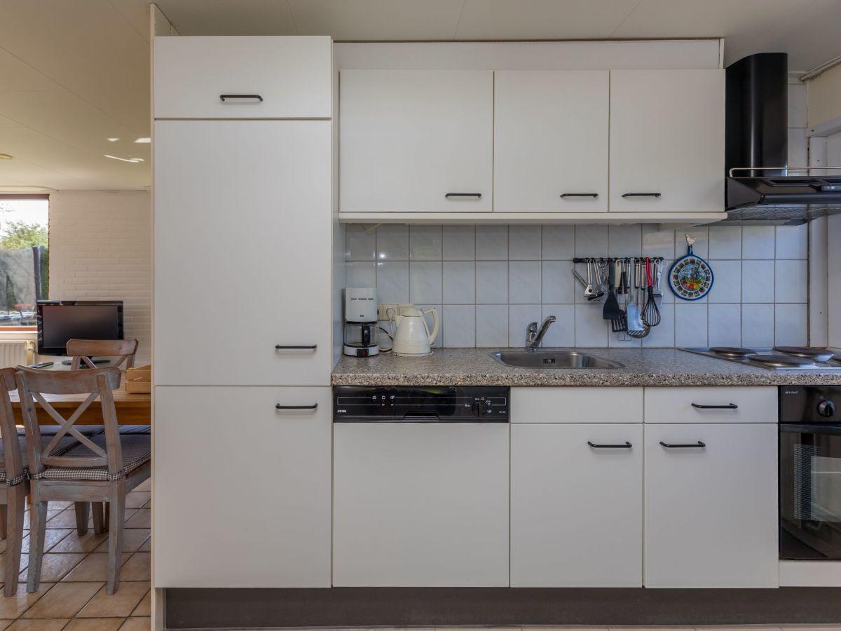 ferienhaus bongerd 69 zeeland renesse firma sorglos urlaub in zeeland frau lara koppenaal. Black Bedroom Furniture Sets. Home Design Ideas