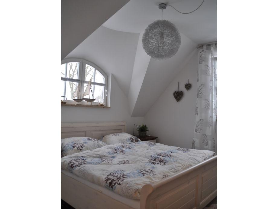 schlafzimmerschrank mit platz fur fernseher ~ speyeder, Schlafzimmer ideen