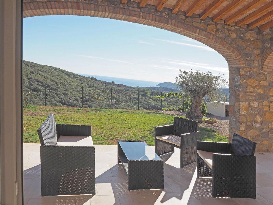 Der Sitzplatz mit großartigem Panoramablick.