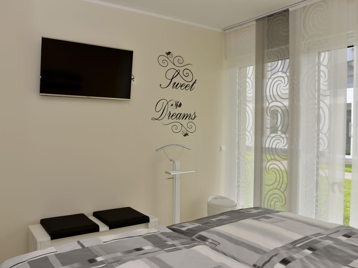 ferienwohnung strandmuschel ostsee fischland dar zingst firma zimmervermittlung darssurlaub. Black Bedroom Furniture Sets. Home Design Ideas