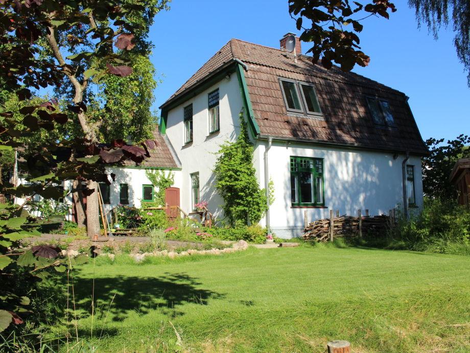 unser Ferienhaus mit Garten direkt am Kirchsee