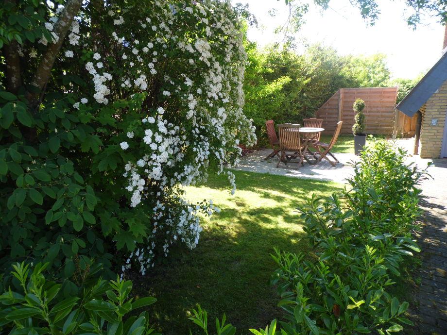 Gartenbereich mit Terasse