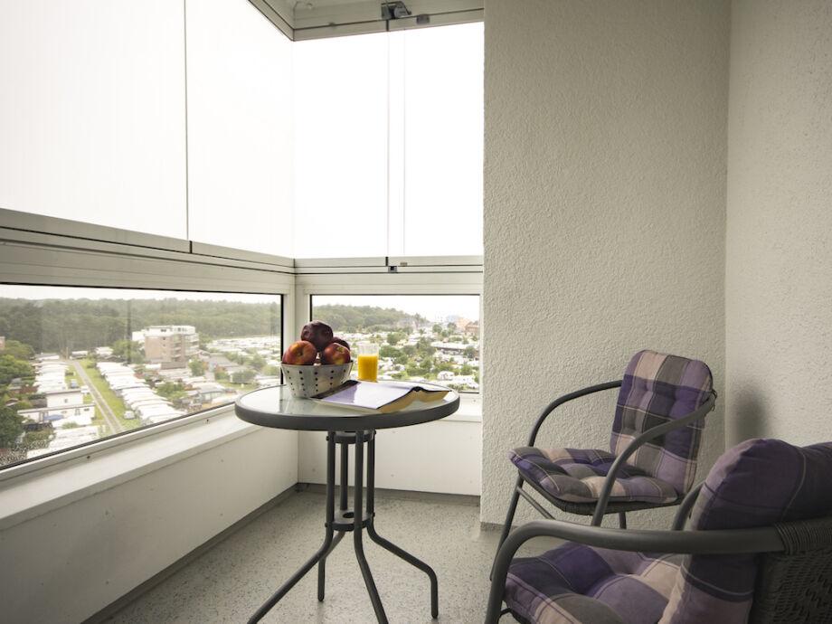 Genießen Sie den herrlichen Ausblick vom Balkon