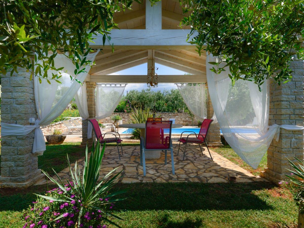 villa oleandra ferenci vizinada istrien firma istria. Black Bedroom Furniture Sets. Home Design Ideas