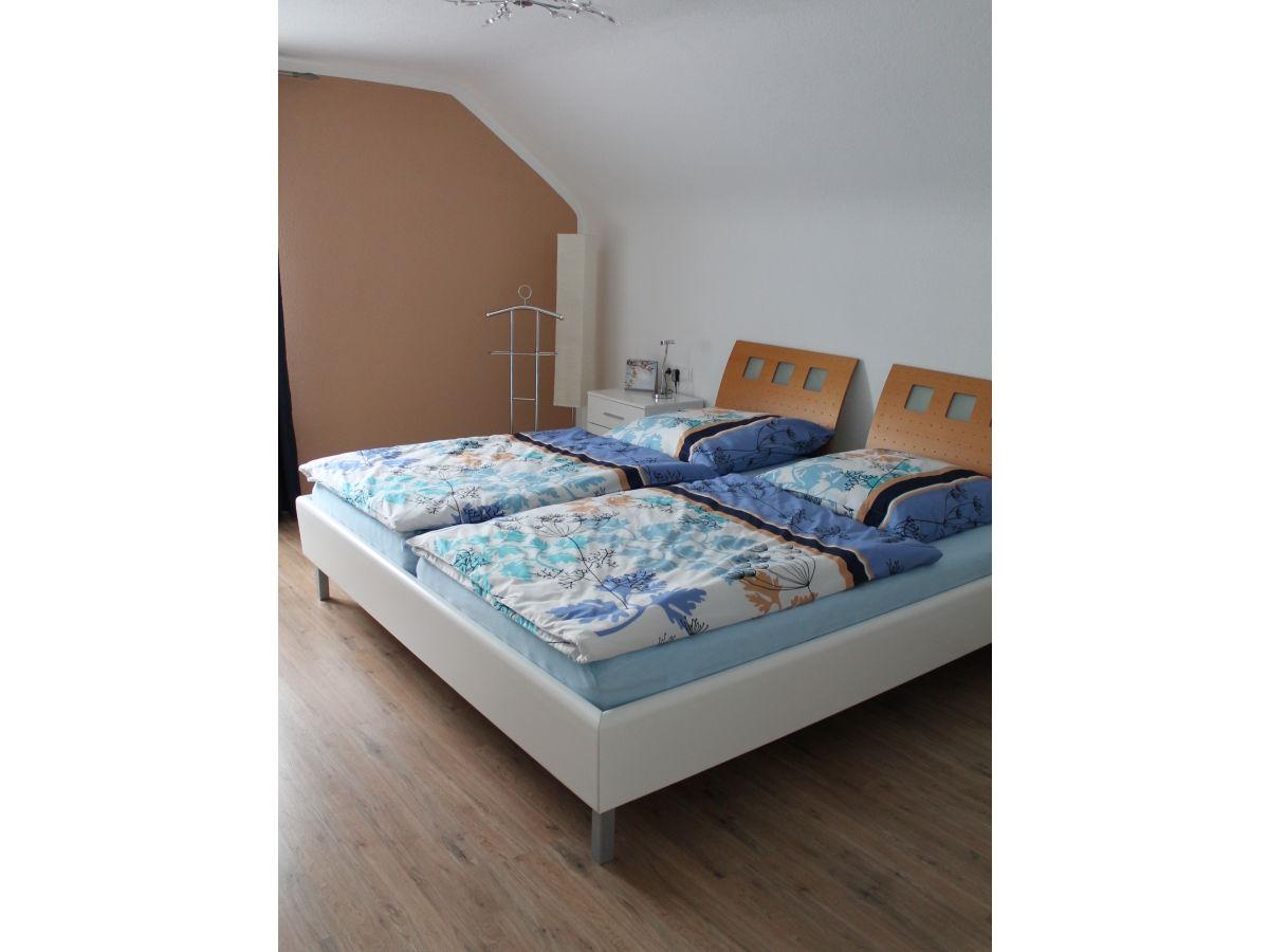 ferienwohnung dieterich 2 beuren schw bische alb frau. Black Bedroom Furniture Sets. Home Design Ideas