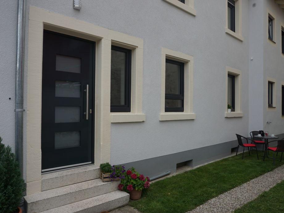 Außenansicht mit Innenhof