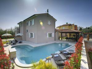 Villa 271