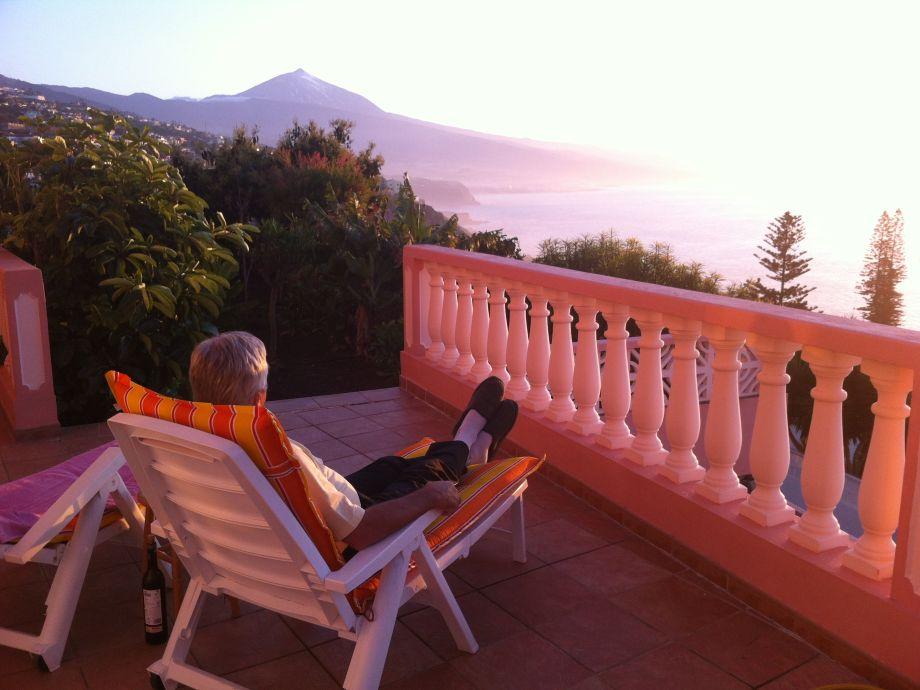 Terrasse mit Blick zum Meer sowie Teide
