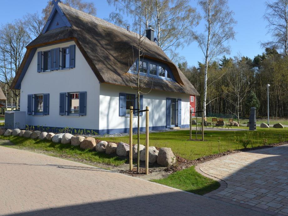 MEERZEIT-Urlaub unterm Reetdach in Glowe/Rügen