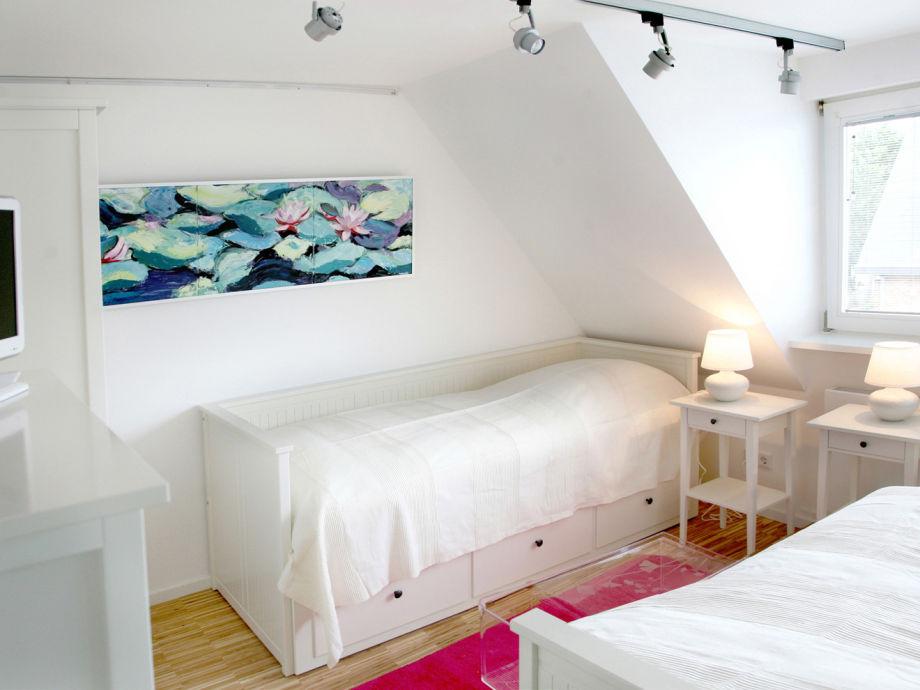 ferienhaus stylisches mittelhausteil modernliving sylt. Black Bedroom Furniture Sets. Home Design Ideas