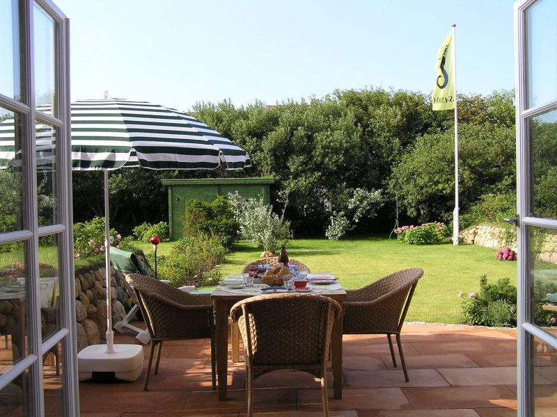 "Ferienhaus ""Beautiful Garden"" in Top-Strandlage"