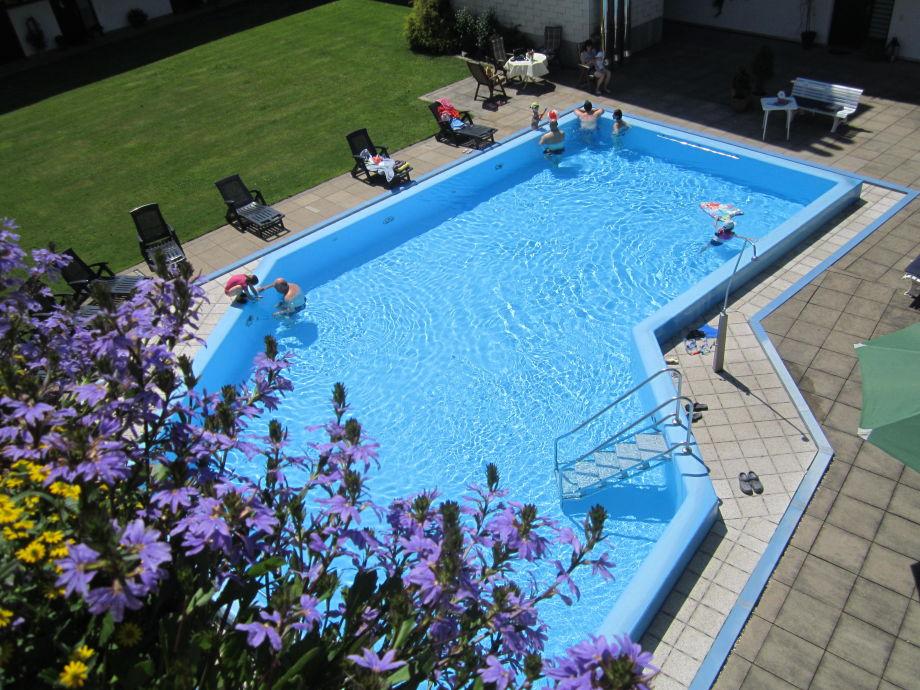 Ferienapartment mit beheiztem Schwimmbad