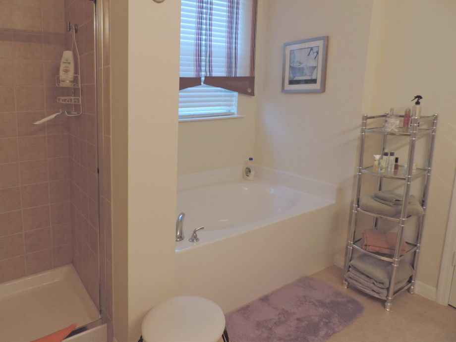begehbare dusche statt badewanne bodengleiche dusche. Black Bedroom Furniture Sets. Home Design Ideas