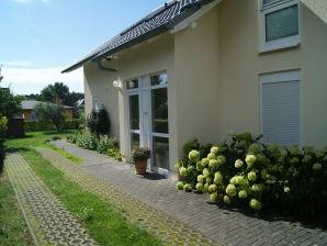 Ferienwohnung Bi Henny/Strandburg