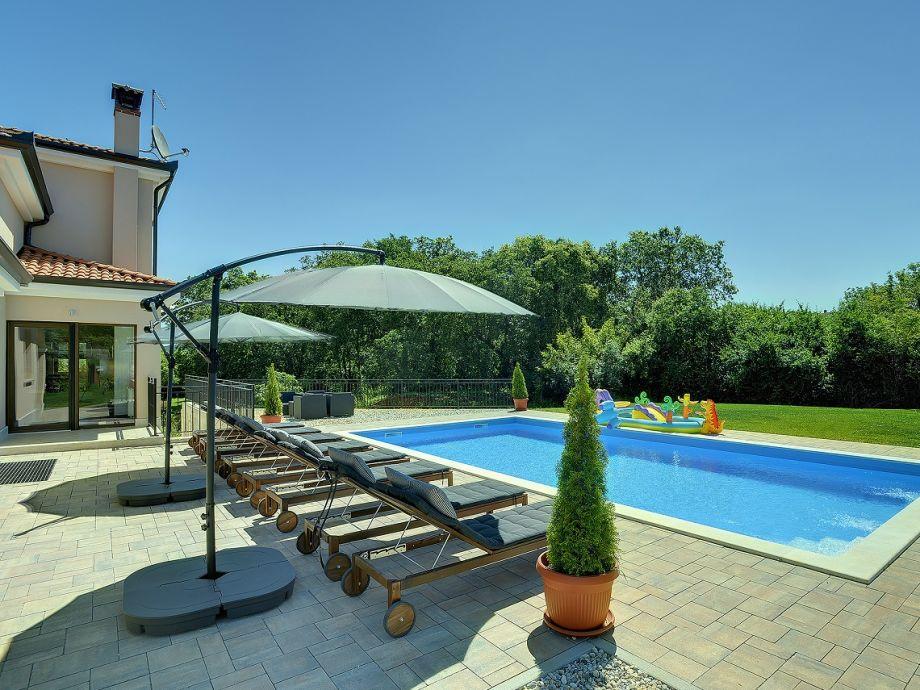 Traumhafte Villa mit Pool