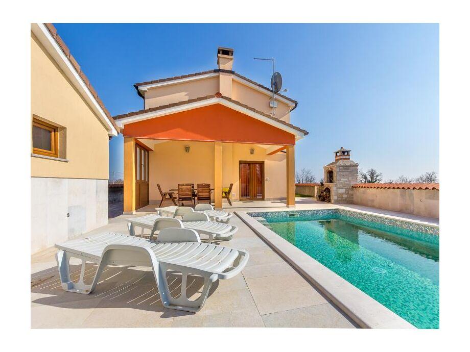 Außenaufnahme Villa 456