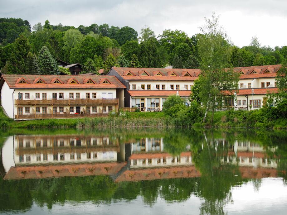 Aparthotel Hohen Bogen direkt am Badesee